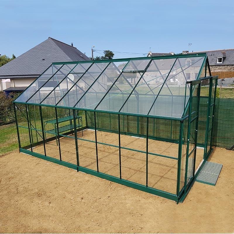 Tr s grande serre de jardin en aluminium laqu vert et - Comment monter une serre de jardin ...