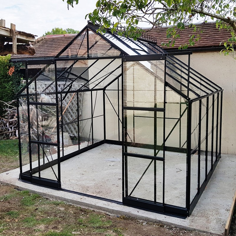 grande serre de jardin en aluminium laque noir et verre trempe a petit prix